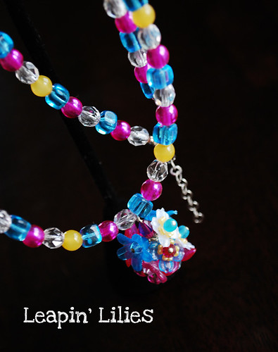 pink-turquoise-yellow-blossom-necklace-a