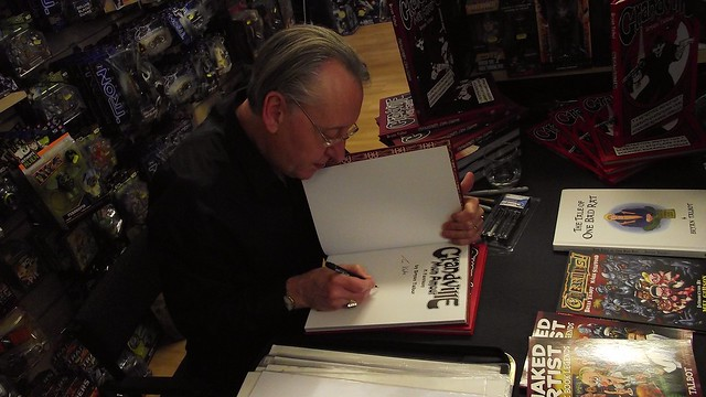 Bryan Talbot signing Forbidden Planet Edinburgh 010