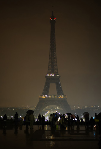 Earth Hour 2011 Eiffel Tower