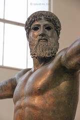 The archeological museum of Athens (salvatore zizi) Tags: grecia grecian greece arceologic archeologial museum athens ancient old collections collezione collezioni historical culture cultural exposition permenent mousio zeus bronze poseidon poseidone cronide di capo artemisio