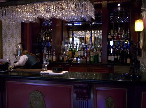 Club 33 Bar!