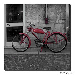 Ducati Cucciolo Bicimotore (Davide Cherubini) Tags: red bike bicycle cobble ducati rosso sanpietrini cucciolo bicicletta cherubini bicleta dcherubini davidecherubini