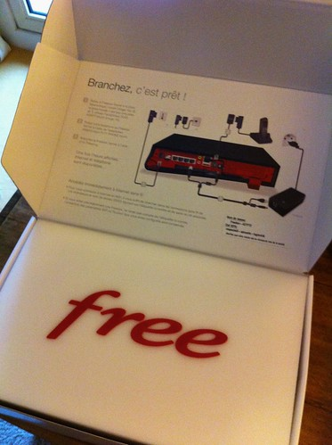 Unboxing the Freebox v6 Revolution