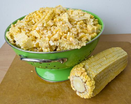Полущити кукурудзу