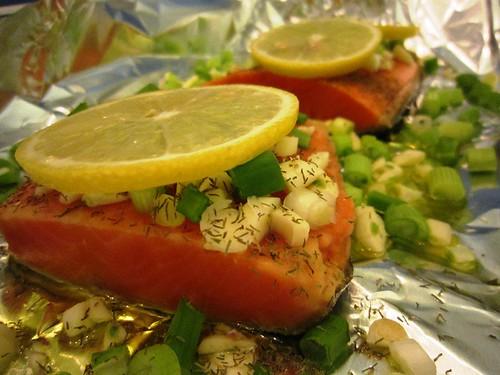 Salmon filets topped with lemon