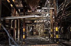 [フリー画像] 建築・建造物, 廃墟, 工場・産業機械, 201102040100