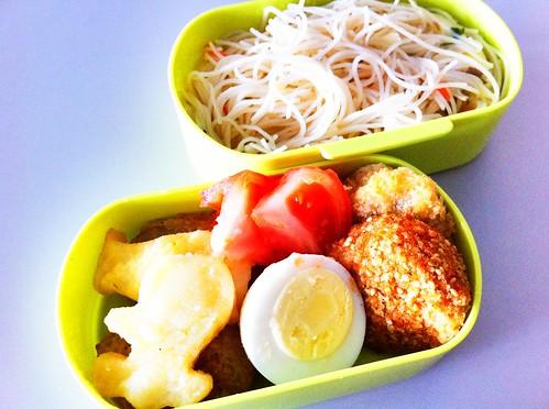 今日のお弁当 No. 106 –  焼きビーフン