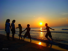 sunrise over sea #3 (e.nhan) Tags: life light sunset art sunrise colorful colours backlighting topshots enhan photosandcalendar panoramafotogrfico peopleenjoyingnature theoriginalgoldseal