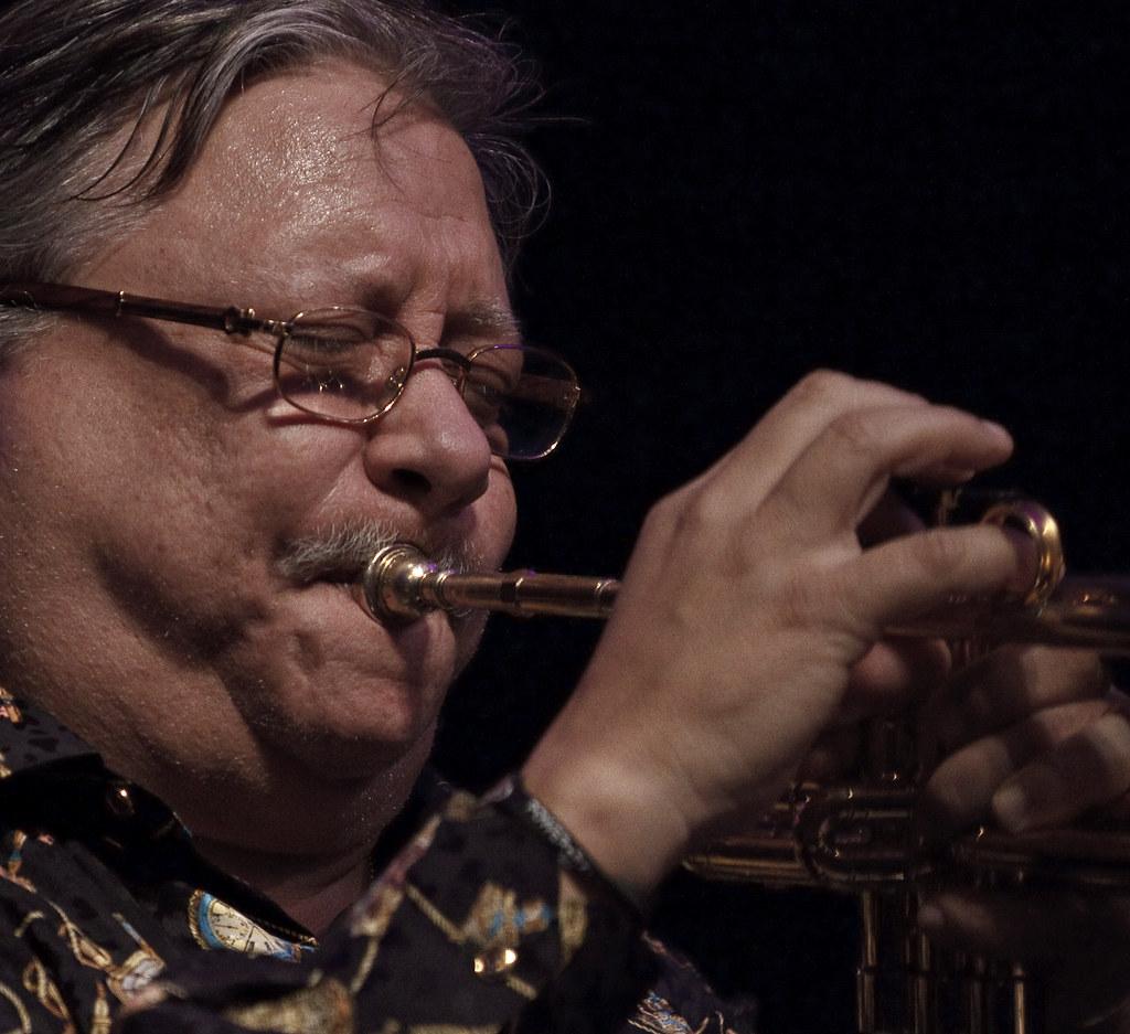 Arturo Sandoval VMF 2011