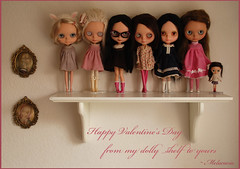 Happy Valentine's Day (Melacacia ) Tags: from red love french happy ginger doll dolls day 14 shelf trench hollywood yours mission valentines kenner february prima dolly marche petite rosy sbl hw samedi blythedoll bl ebl 2011 melacacia