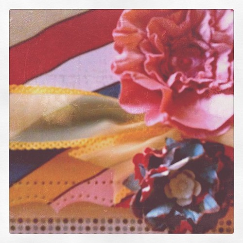 A sneak of my card! More handmade flowers!