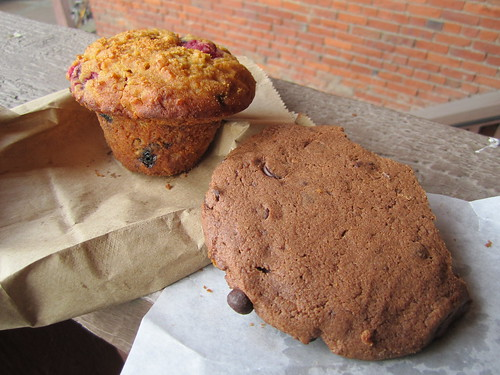 Berry Muffin and Chocolate Brownie Cookie from Green Cuisine