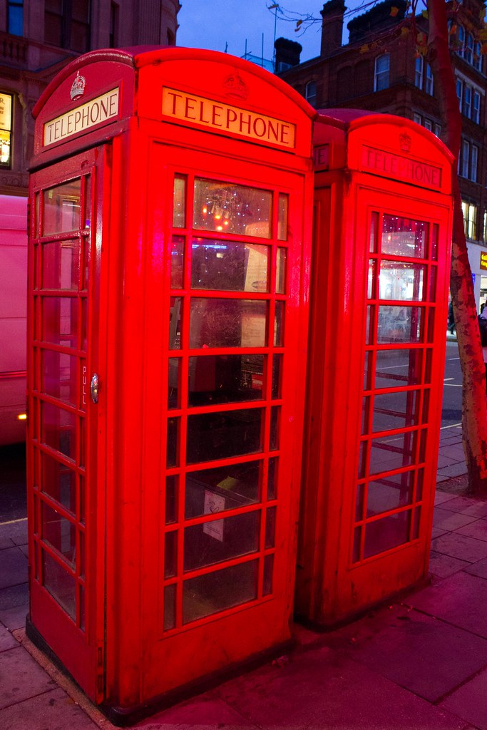 London cabine telephone