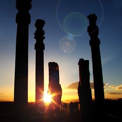Persepolis [load II] (mimmopellicola) Tags: sunset sun iran  persepolis irn iraan  persepoli     iro  iranas   rn      aniarin    irna