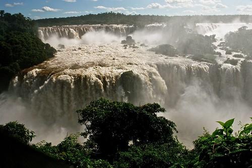 paisajes en el mundo, iguazu,  Argentina y Brasil
