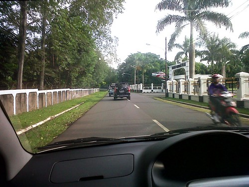 perjalanan ke kantor