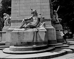 Push (Philip Ward) Tags: park street new york city usa white black male monument fountain statue exercise candid central runner manhatten jogger sps 344 mobformat11decisivemoment