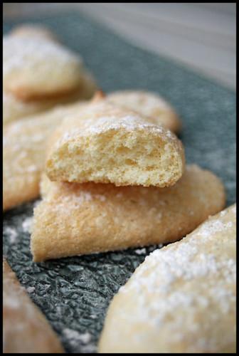 5481867589 bae45ab448 Biscuits à la cuillère (Ladyfingers)