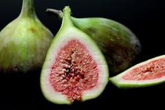 Feigen (DunkelBunt_) Tags: red green rot fruit fig ficus grün obst feige