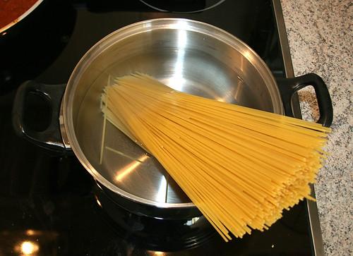 26 - Nudeln kochen