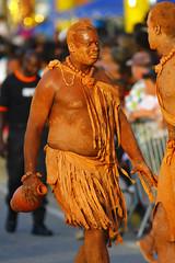 Grande parade de Kourou - Carnaval 2011 (lolodoc) Tags: carnival party portrait people canon photographie fiesta fete 7d carnaval kourou déguisement guyane 2011 frenchguiana lolodoc dejault