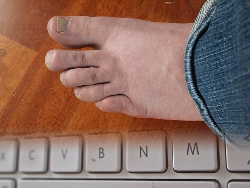 keyboard toes