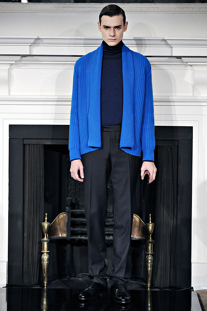 Douglas Neitzke3305_FW11_London_Hardy Amies(VOGUEcom)