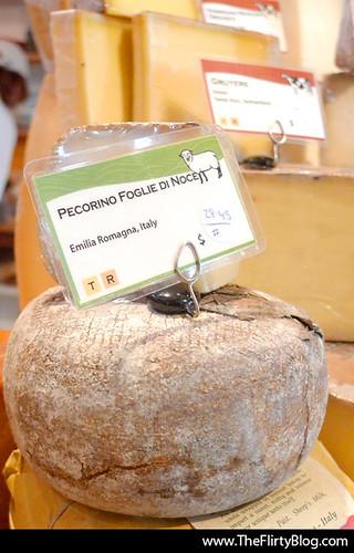 pecorino-foglie-noce-italian-goat-cheese