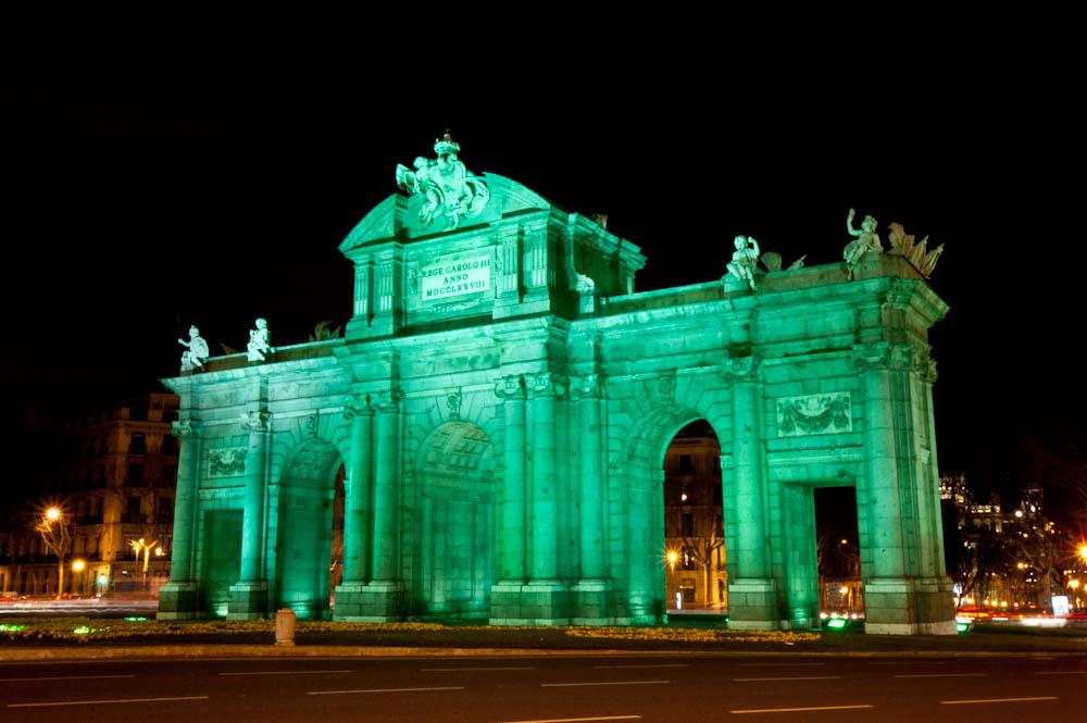 Fotos de La Puerta de Alcalá el día de San Patricio