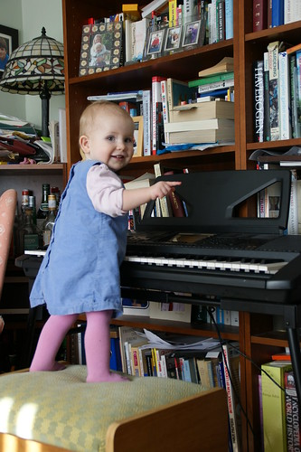 Amaia the pianist by PhylB