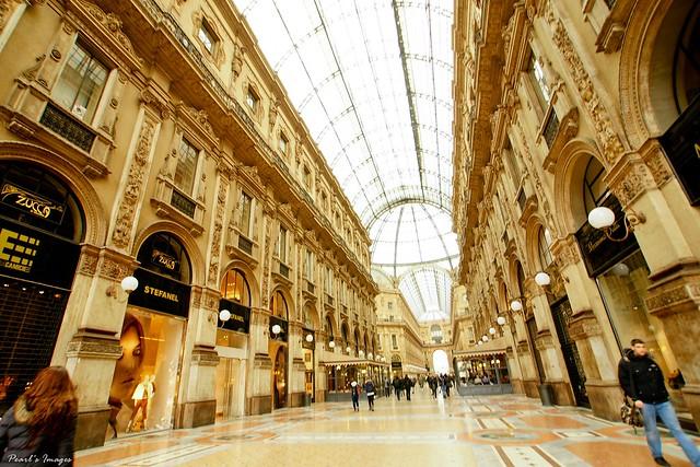 精緻華麗又富麗堂皇的艾曼紐迴廊