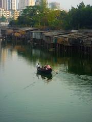P1000307.jpg (Nii_Djan) Tags: lake boys boat canoe dhaka bangladesh stilts slum lakefront bengali bangladeshi banani gulshan