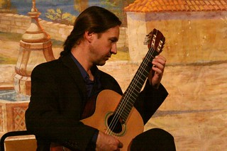 Classical Guitarist Brad Richter and Cellist V...