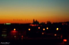 Bokeh it ! (Yavanna Warman {off}) Tags: city sunset sky orange luz contrast circle landscape atardecer fire luces dof sundown cathedral bokeh catedral ciudad paisaje desenfoque citylights contraste puestadesol cielos plano salamanca fuego naranja silhoutte siluetas esferas castillayleón círculos santamartadetormes ltytr1