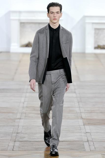 FW11_Paris_Dior Homme020_Filip Grudzewski(VOGUEcom)