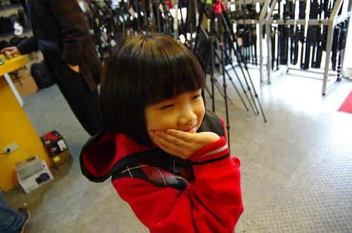 請問一下...有人可以代送日本鏡頭維修嗎
