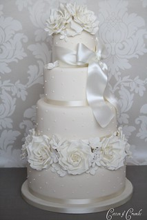 Ivory rose cake by Cotton and Crumbs