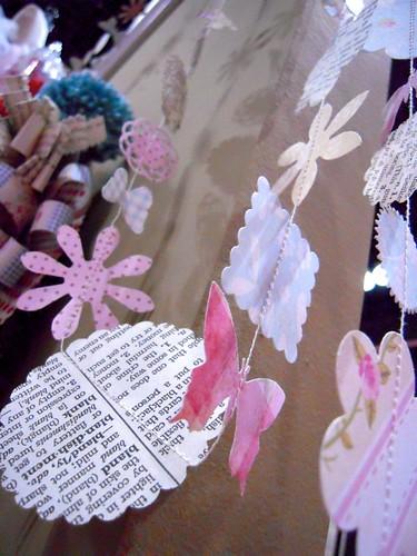 TREND: paper garland