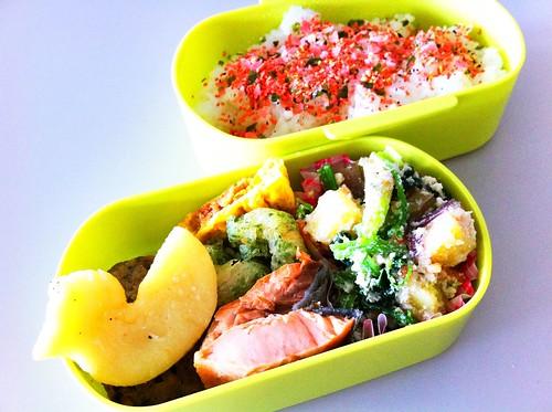 今日のお弁当 No. 105 –  ほんとの鮭弁