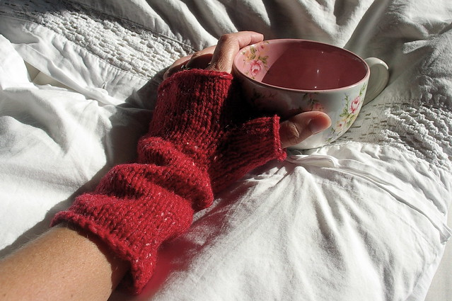 'toast' fingerless gloves