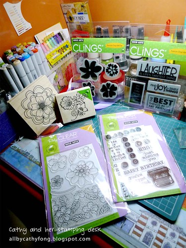 Welcome to my little stamping desk :)