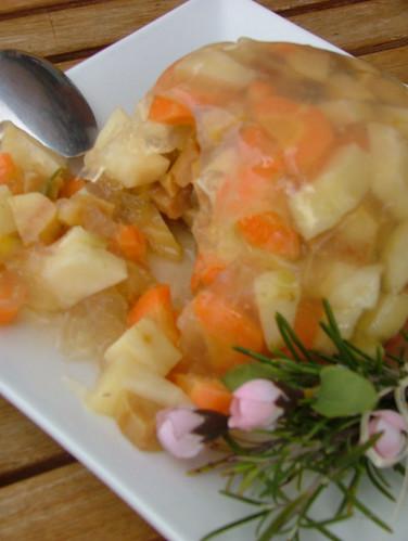 aspic di sedano rapa, carota, mela cotogna e zenzero e rosmarino