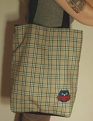 Sacola Coruja (tati schmidt) Tags: bag handmade felt owl coruja veludo feltro bolsa handbag totebag xadrez sacola fieltro azulmarinho cotel tatischmidt