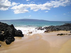 Makena Cove View (stu_macgoo) Tags: ocean sky beach clouds hawaii lava sand waves maui makena kahoolawe makenacove