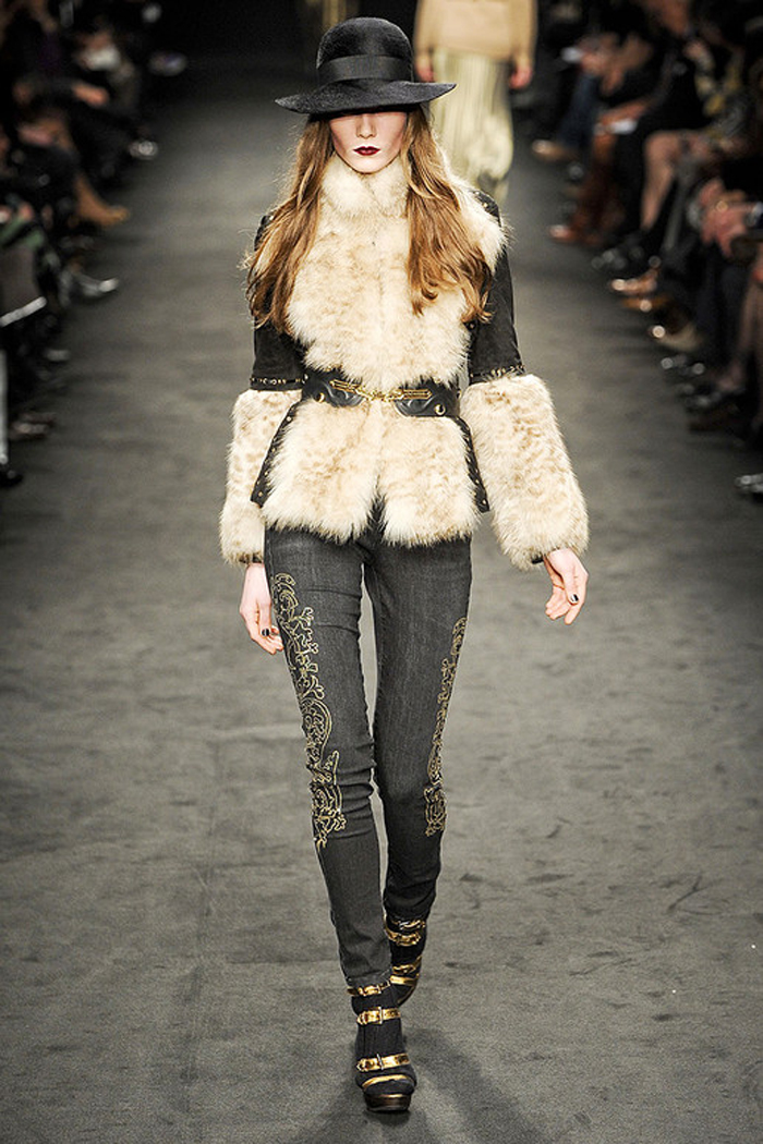Angelo-marani-FALL-2011-RTW-podium-029_runway