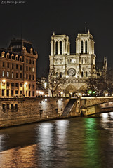 Cathdrale Notre Dame. Paris, France. ( Mario Gutirrez Photographer) Tags: light paris france building church monument water night reflections river island noche march frankreich cathedral cit catedral frana cathdrale francia nuit notte noc parigi crkva 2011 katedral francuska parisz