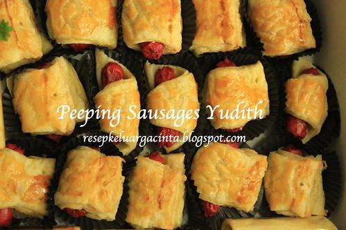 Peeping Sausages Yudith