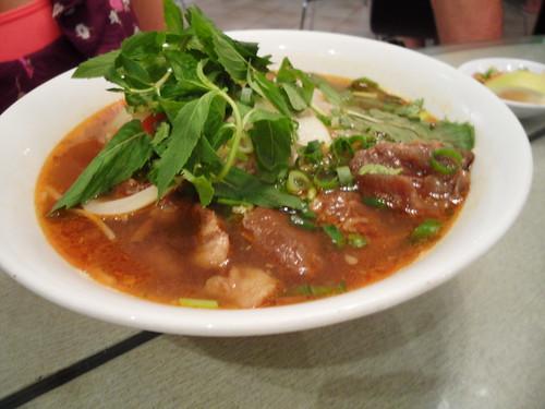 Phong Vinh 070311 Bo Kho Noodles