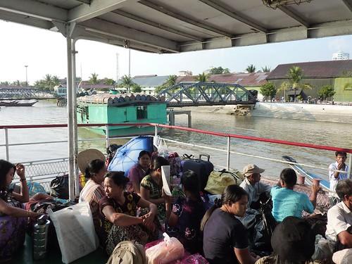 Yangon-Pathein-Bateau-Soiree (1)