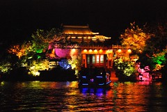 DSC_0171 China, Guilin (tango-) Tags: china reflection reflections liriver guilin   riflessi kina cina chine  riflesso waterreflections   pechino  in wetreflections    flickrchallengegroup     fiumeli      chinachinekinaquc